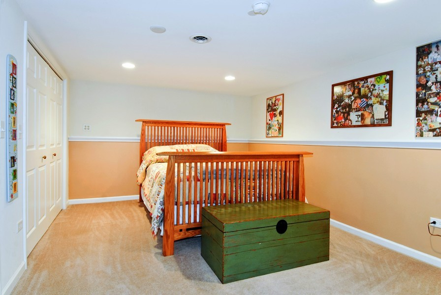 Real Estate Photography - 12 Lakewood Cir, 12, St. Charles, IL, 60174 - 3rd Bedroom