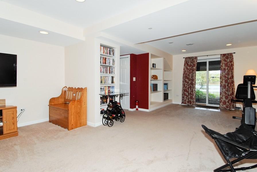 Real Estate Photography - 12 Lakewood Cir, 12, St. Charles, IL, 60174 - Walkout basement