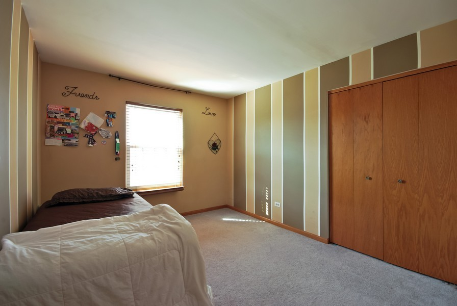 Real Estate Photography - 724 Mayfair Dr, Carol Stream, IL, 60188 - 2nd Bedroom