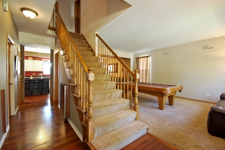 Real Estate Photography - 724 Mayfair Dr, Carol Stream, IL, 60188 - Foyer