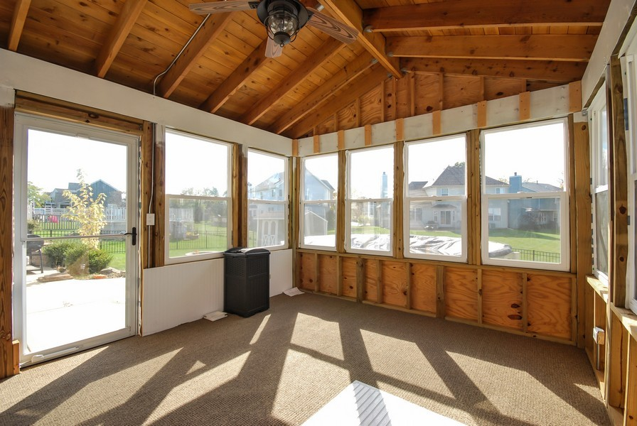 Real Estate Photography - 724 Mayfair Dr, Carol Stream, IL, 60188 - Sun Room