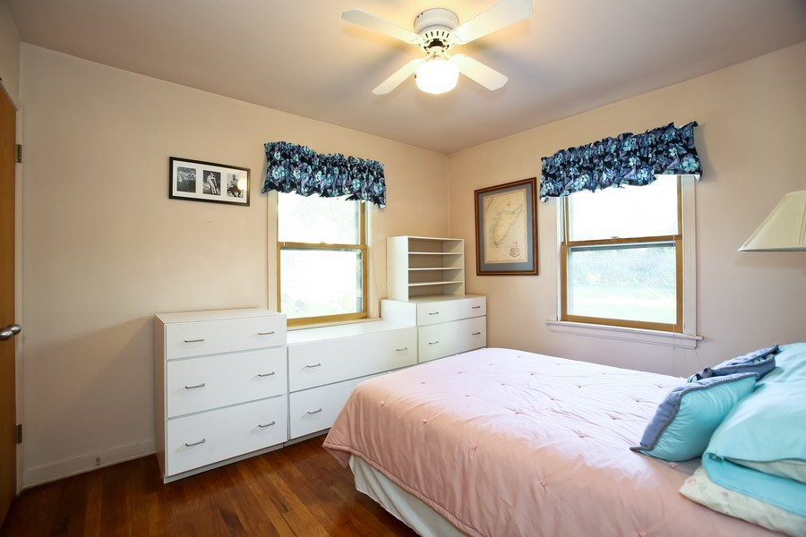 Real Estate Photography - 621 Dawn Pl, Downers Grove, IL, 60515 - Master Bedroom