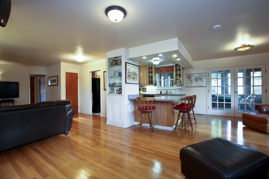 Real Estate Photography - 621 Dawn Pl, Downers Grove, IL, 60515 - Living Room / Dining Room