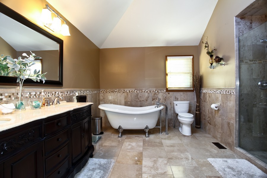 Real Estate Photography - 1508 Meadowland Dr, Naperville, IL, 60540 - Master Bathroom