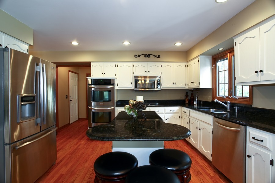 Real Estate Photography - 1508 Meadowland Dr, Naperville, IL, 60540 - Kitchen
