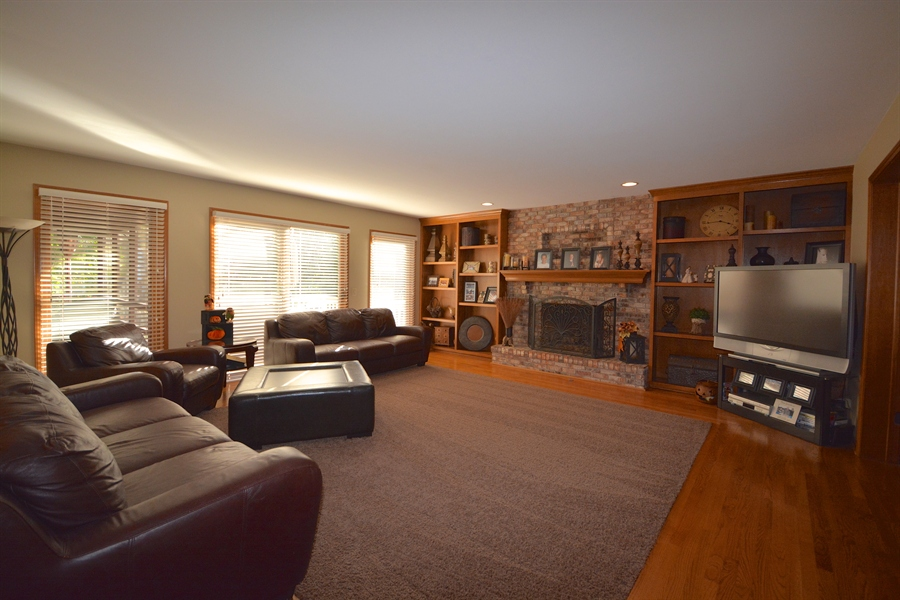 Real Estate Photography - 1508 Meadowland Dr, Naperville, IL, 60540 -