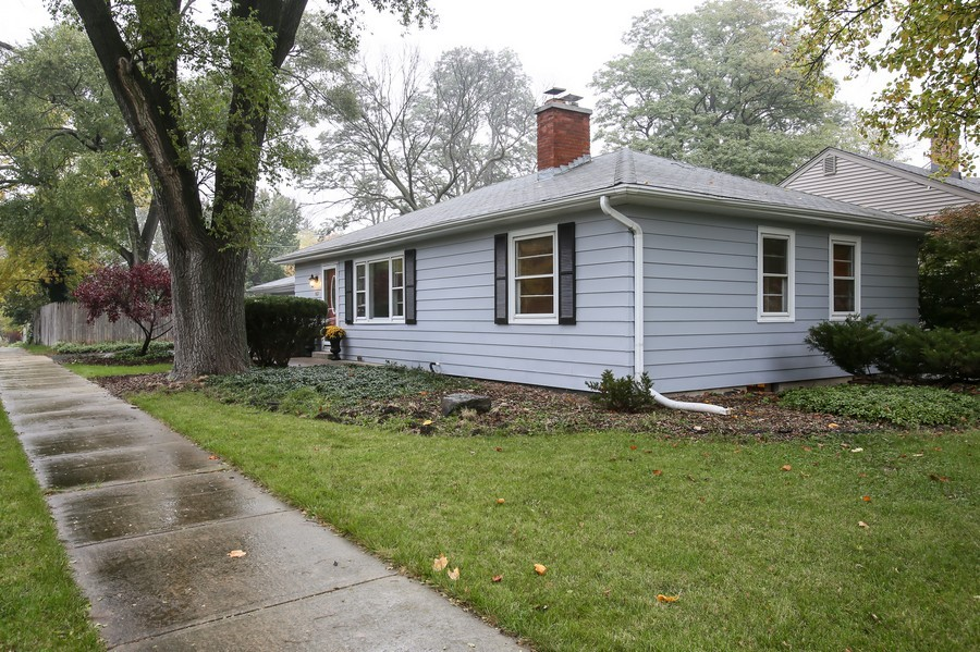 Real Estate Photography - 5621 Plymouth, Downers Grove, IL, 60516 - Front View