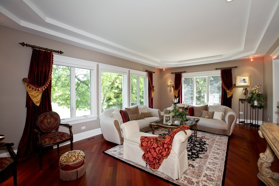 Real Estate Photography - 15 Shelburne Dr, Oak Brook, IL, 60523 - Living Room