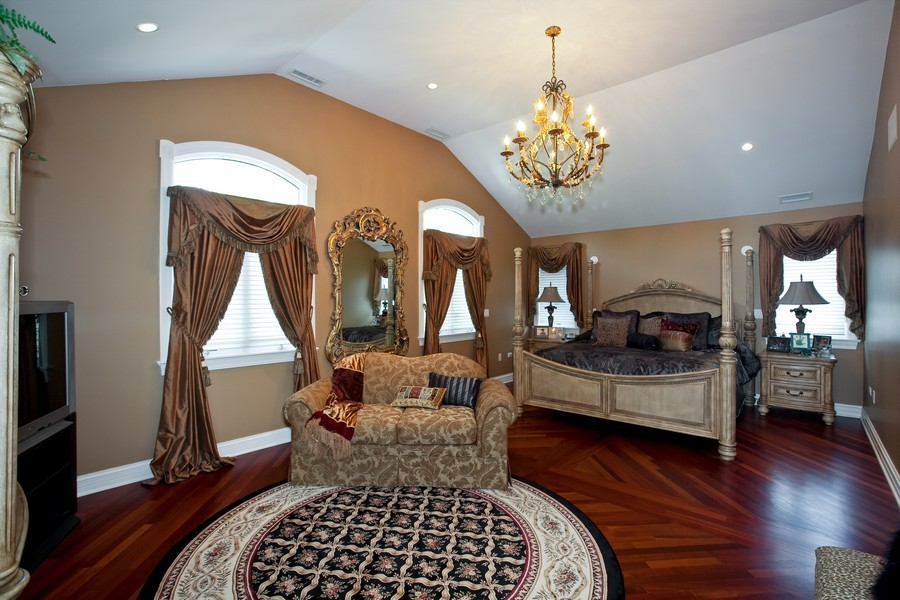 Real Estate Photography - 15 Shelburne Dr, Oak Brook, IL, 60523 - Master Bedroom