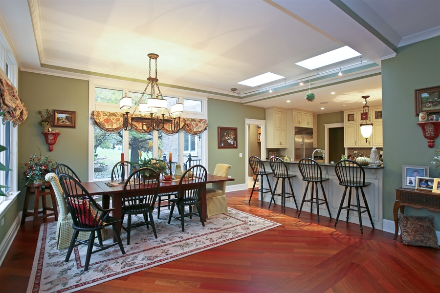 Real Estate Photography - 15 Shelburne Dr, Oak Brook, IL, 60523 - Kitchen / Breakfast Room