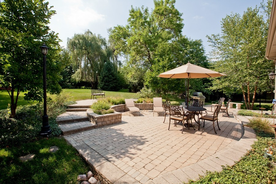 Real Estate Photography - 15 Shelburne Dr, Oak Brook, IL, 60523 - Back Yard