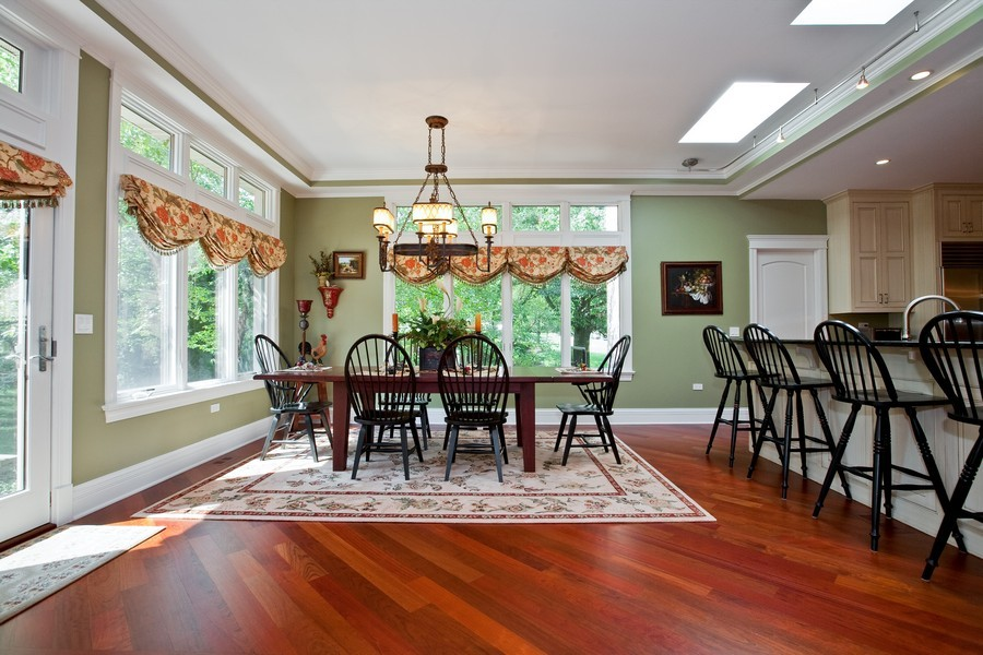 Real Estate Photography - 15 Shelburne Dr, Oak Brook, IL, 60523 - Breakfast Area