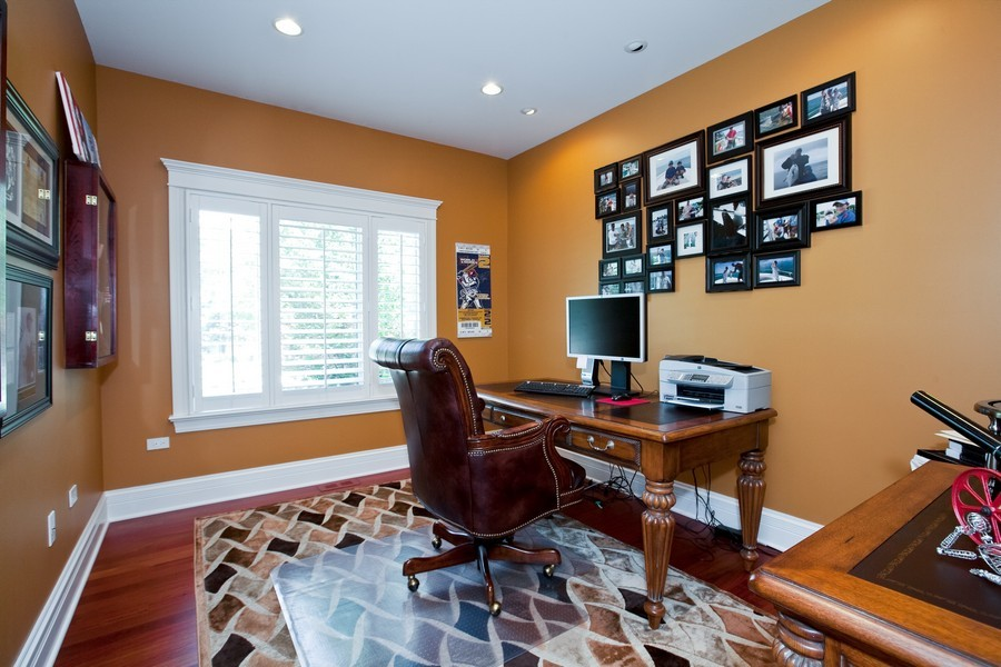 Real Estate Photography - 15 Shelburne Dr, Oak Brook, IL, 60523 - Office