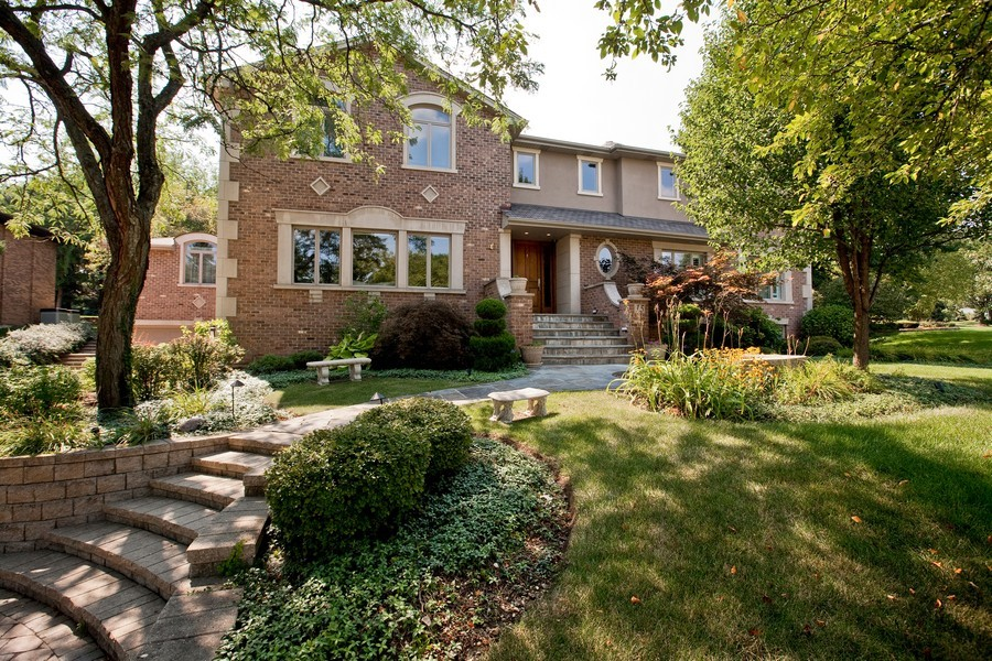 Real Estate Photography - 15 Shelburne Dr, Oak Brook, IL, 60523 - Front View