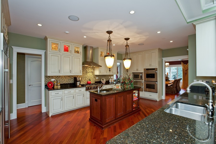 Real Estate Photography - 15 Shelburne Dr, Oak Brook, IL, 60523 - Kitchen / Dining Room
