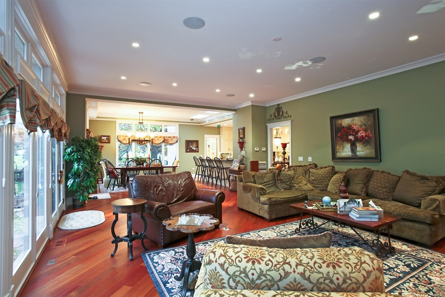 Real Estate Photography - 15 Shelburne Dr, Oak Brook, IL, 60523 - Family Room to Breakfast Room