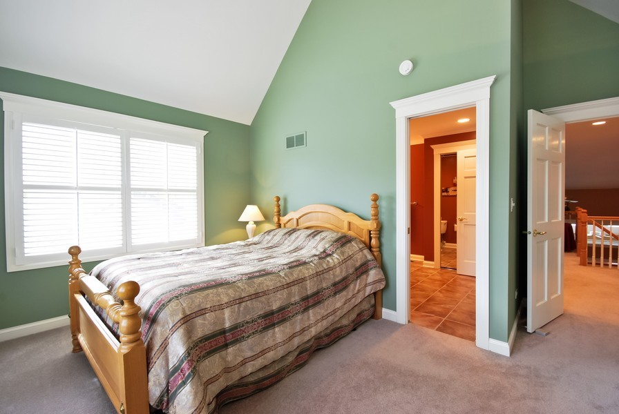 Real Estate Photography - 925 Oak Crest Ln, St. Charles, IL, 60175 - 2nd Bedroom