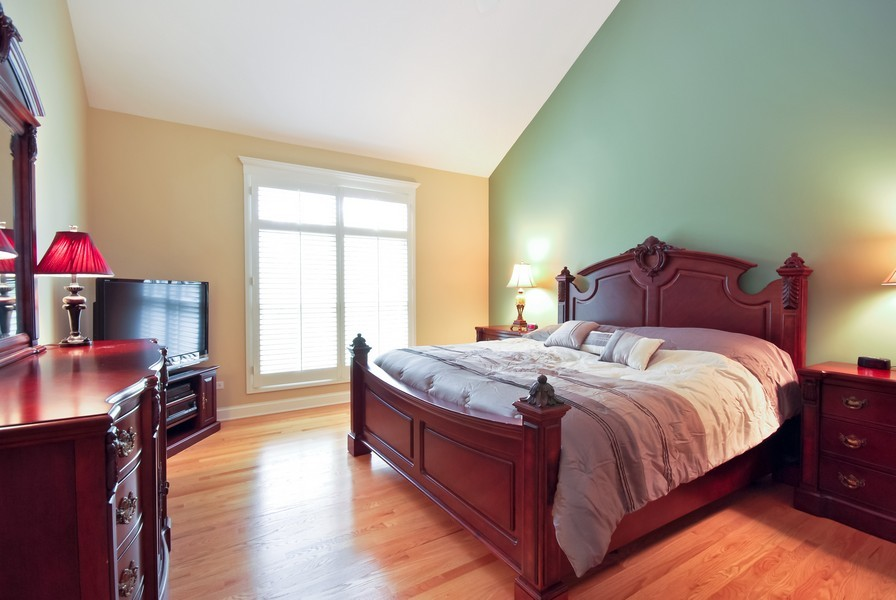 Real Estate Photography - 925 Oak Crest Ln, St. Charles, IL, 60175 - Master Bedroom