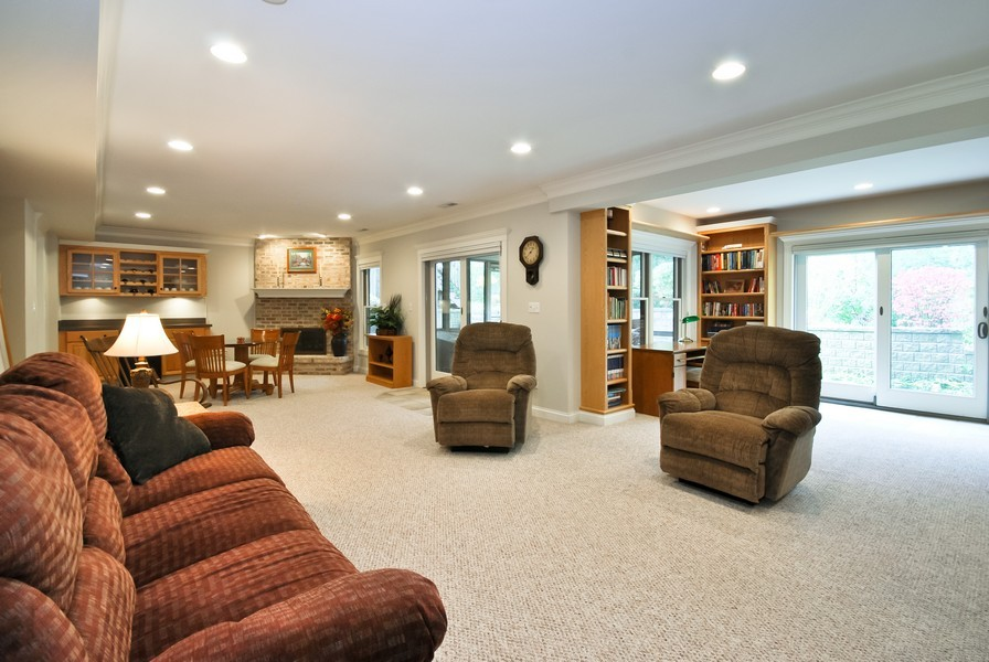 Real Estate Photography - 925 Oak Crest Ln, St. Charles, IL, 60175 - Family Room