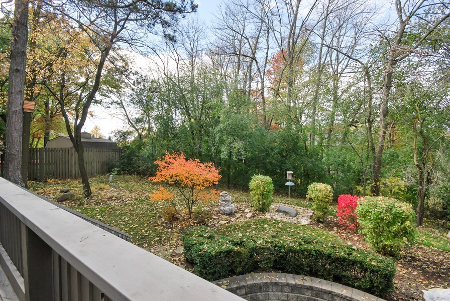Real Estate Photography - 925 Oak Crest Ln, St. Charles, IL, 60175 - Deck