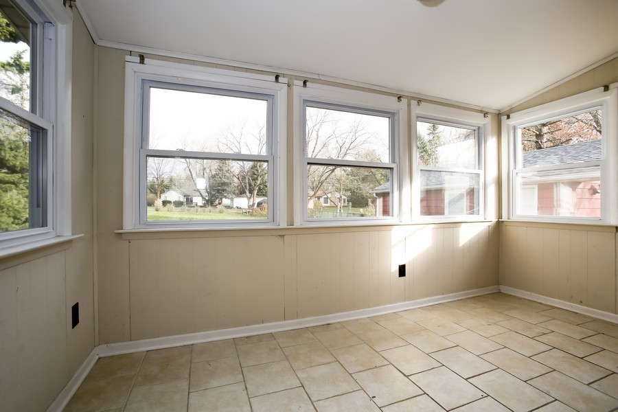 Real Estate Photography - 920 Meadowlawn Ave, Downers Grove, IL, 60516 - Sun Room