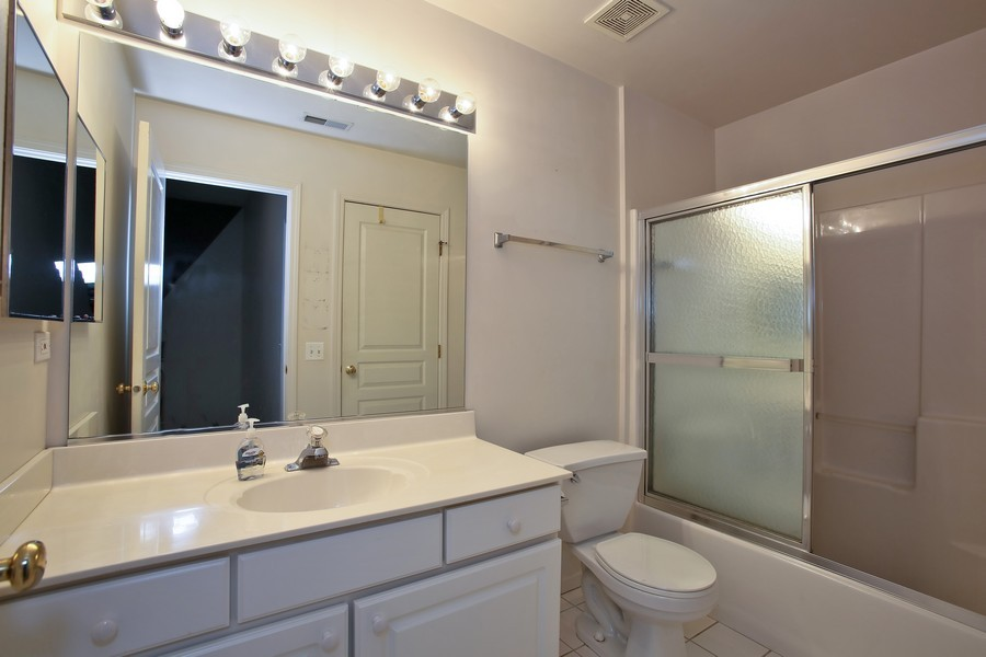 Real Estate Photography - 1905 Redondo Ct, Darien, IL, 60561 - Master Bathroom