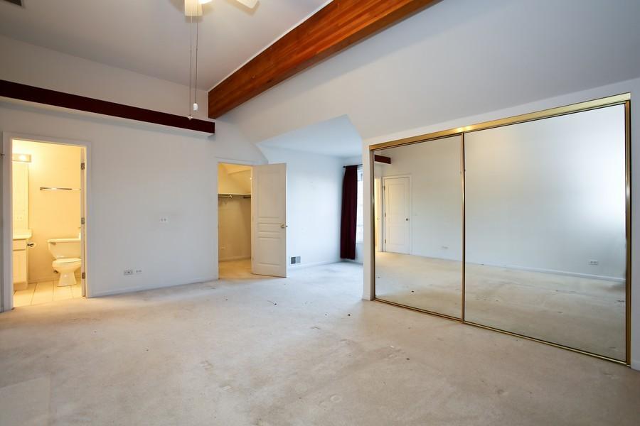 Real Estate Photography - 1905 Redondo Ct, Darien, IL, 60561 - Master Bedroom