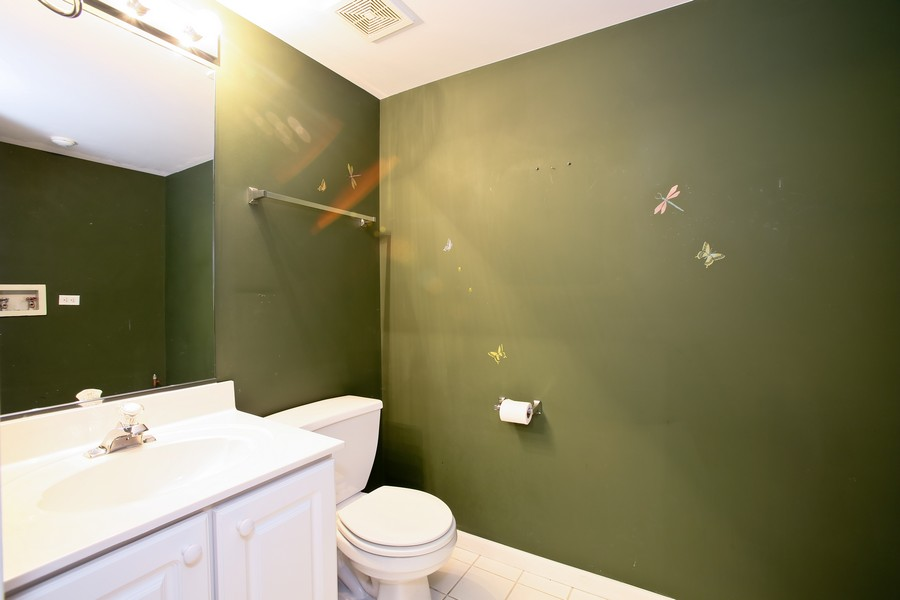 Real Estate Photography - 1905 Redondo Ct, Darien, IL, 60561 - Bathroom