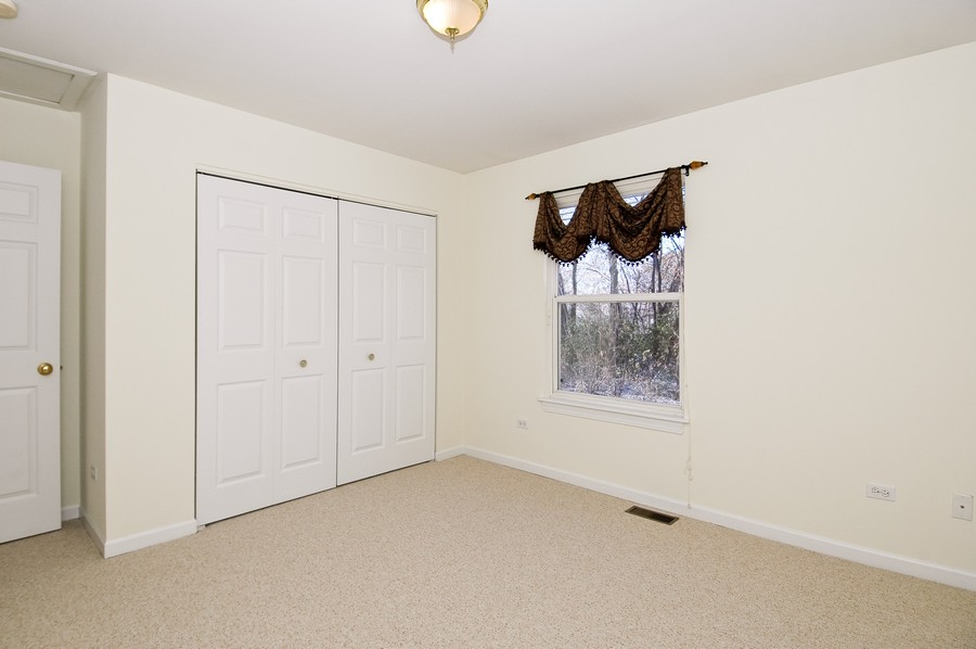 Real Estate Photography - 121 North Greenfield Ave, Crystal Lake, IL, 60014 - Master Bedroom