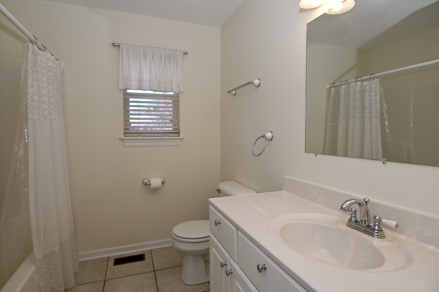 Real Estate Photography - 121 North Greenfield Ave, Crystal Lake, IL, 60014 - Bathroom