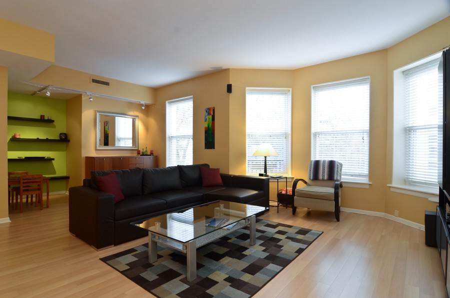 Real Estate Photography - 509 West Roscoe St, 2E, Chicago, IL, 60657 - Living Room