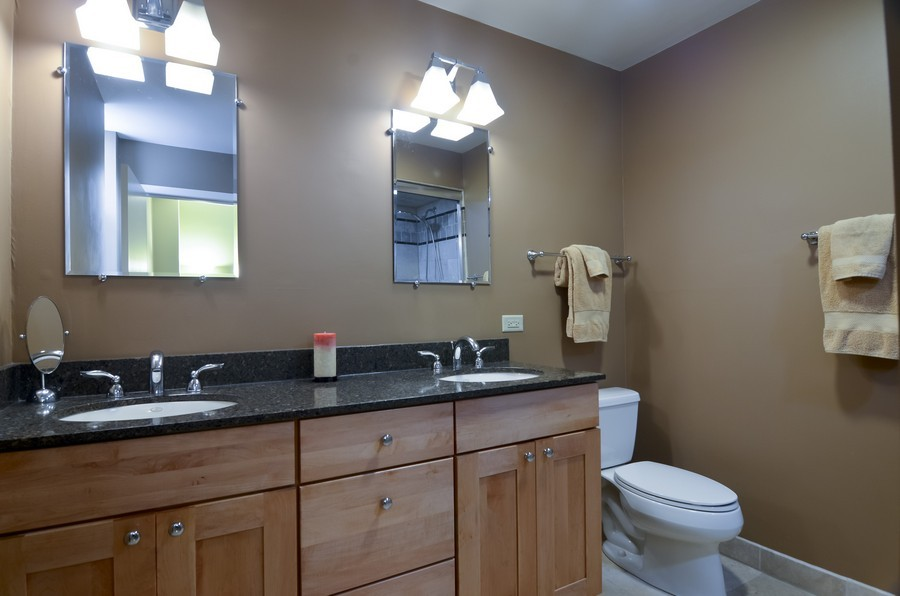 Real Estate Photography - 509 West Roscoe St, 2E, Chicago, IL, 60657 - Master Bathroom