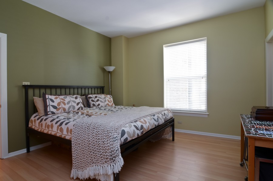 Real Estate Photography - 509 West Roscoe St, 2E, Chicago, IL, 60657 - Master Bedroom