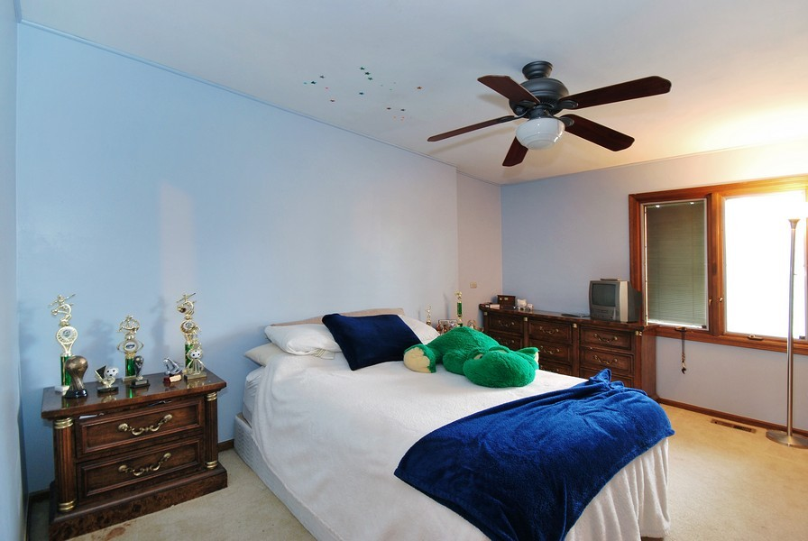 Real Estate Photography - 180 Geneva Rd, Glen Ellyn, IL, 60137 - 2nd Bedroom