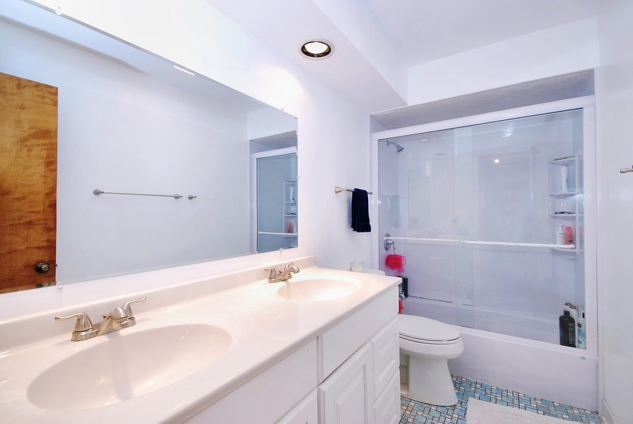 Real Estate Photography - 180 Geneva Rd, Glen Ellyn, IL, 60137 - 2nd Bathroom
