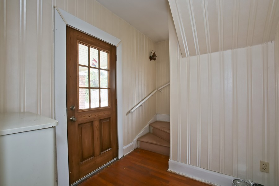 Real Estate Photography - 344 Cottage Ave, Glen Ellyn, IL, 60137 - Foyer