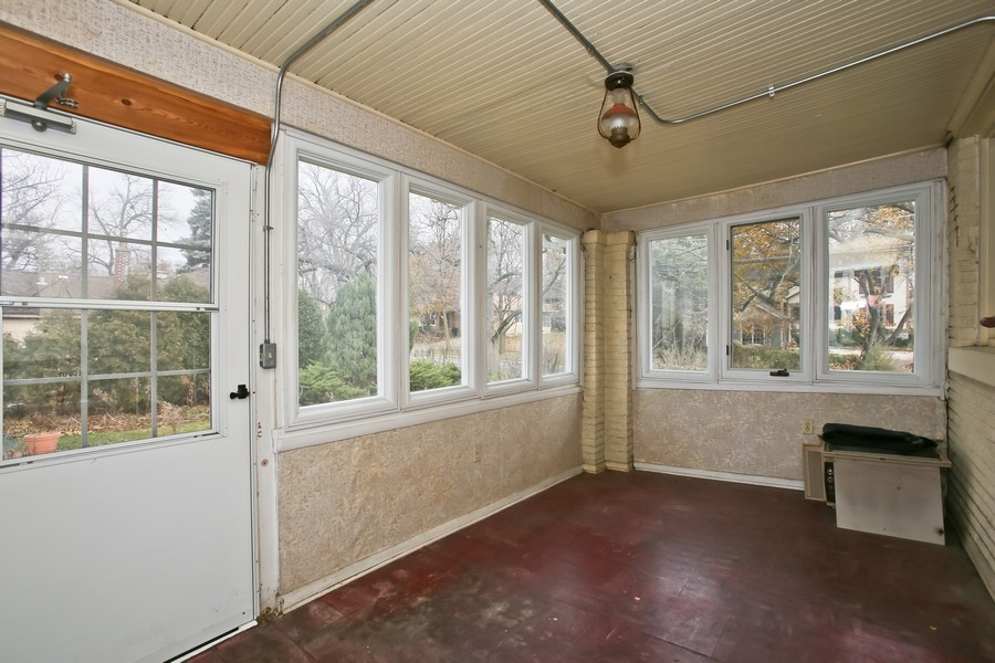 Real Estate Photography - 344 Cottage Ave, Glen Ellyn, IL, 60137 - Sun Room