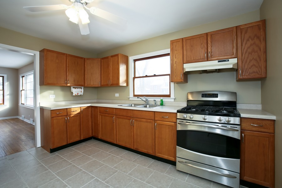 Real Estate Photography - 4520 Sterling Rd, Downers Grove, IL, 60515 - Kitchen
