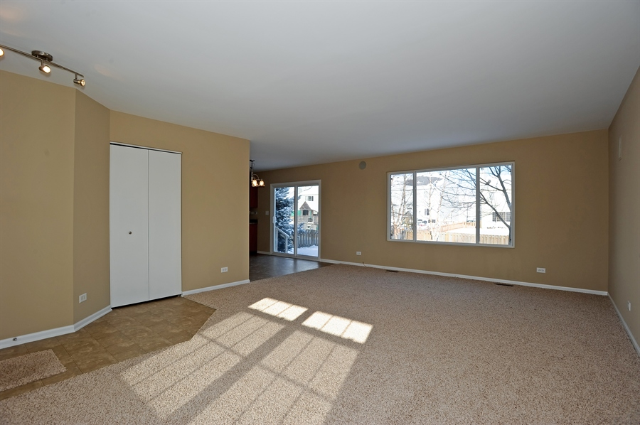 Real Estate Photography - 103 East Meadow Dr, Cortland, IL, 60112 - Living Room