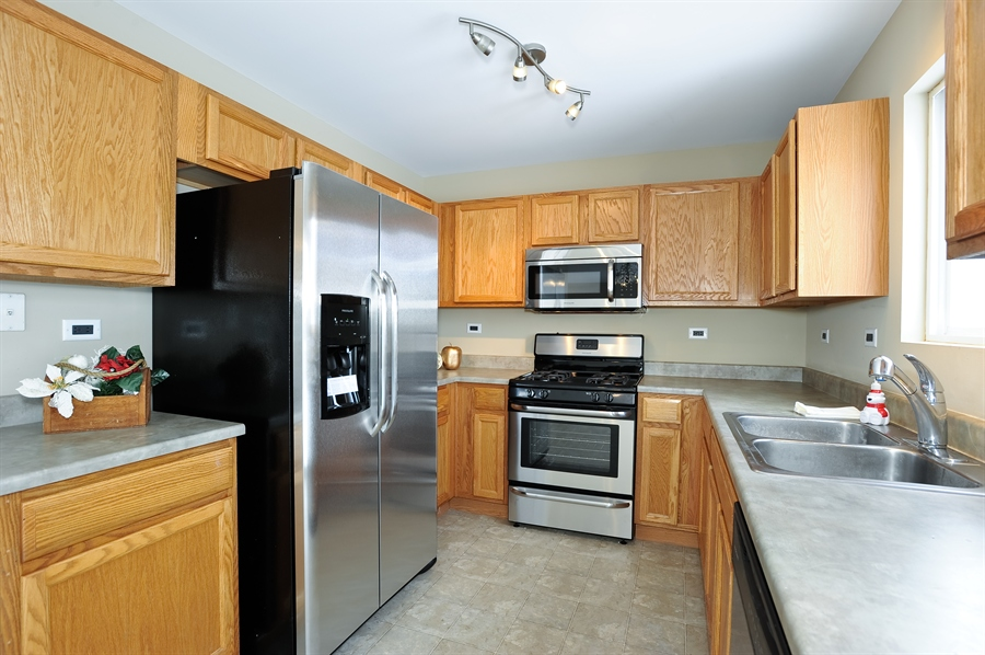 Real Estate Photography - 103 East Meadow Dr, Cortland, IL, 60112 - Kitchen