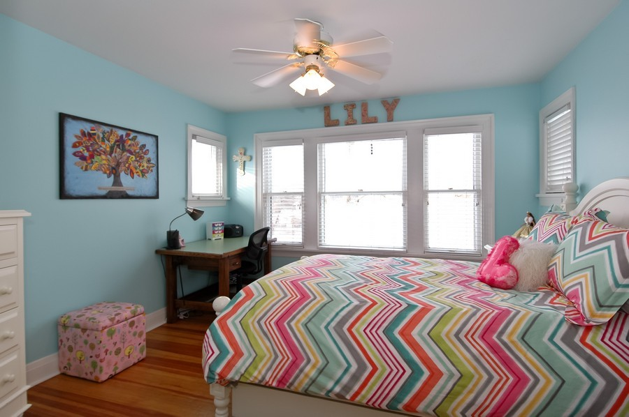 Real Estate Photography - 213 West Lincoln Ave, Barrington, IL, 60010 - 2nd Bedroom