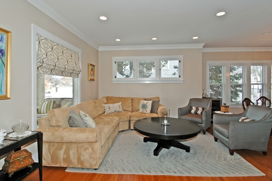 Real Estate Photography - 213 West Lincoln Ave, Barrington, IL, 60010 - Living Room