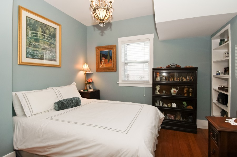 Real Estate Photography - 213 West Lincoln Ave, Barrington, IL, 60010 - Bedroom