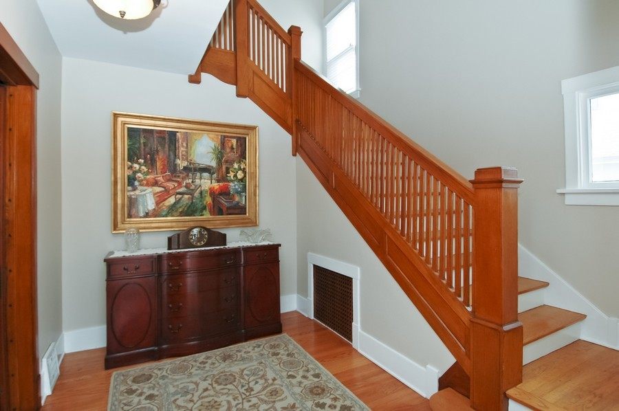Real Estate Photography - 213 West Lincoln Ave, Barrington, IL, 60010 - Foyer