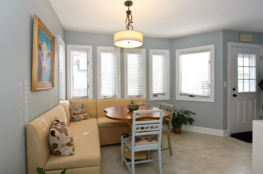Real Estate Photography - 213 West Lincoln Ave, Barrington, IL, 60010 - Breakfast Area