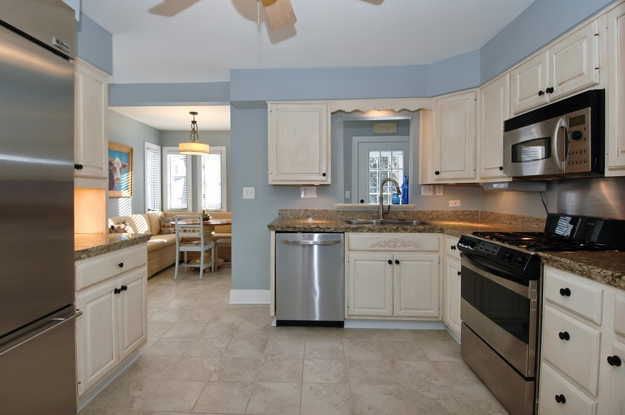 Real Estate Photography - 213 West Lincoln Ave, Barrington, IL, 60010 - Kitchen