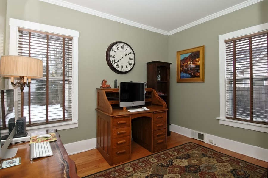 Real Estate Photography - 213 West Lincoln Ave, Barrington, IL, 60010 - Office