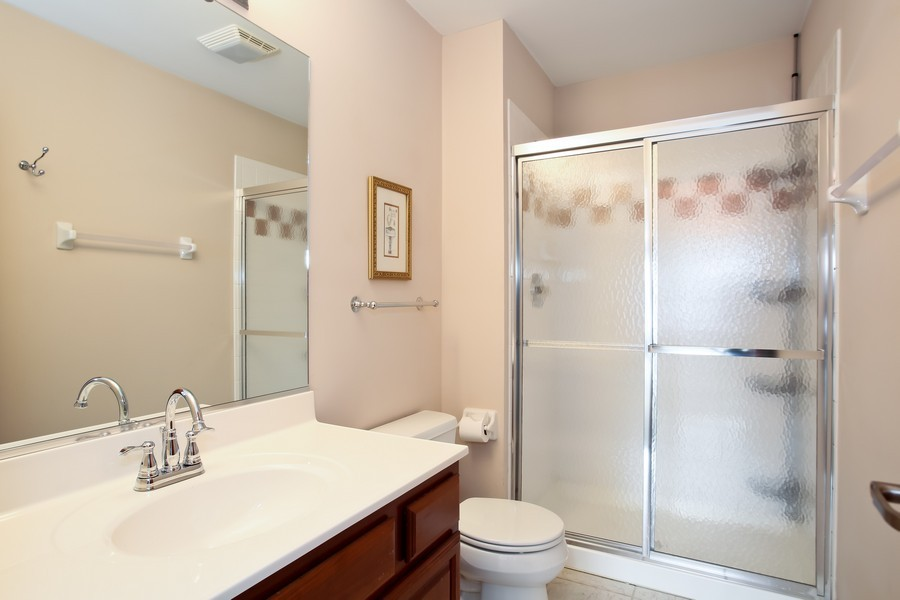 Real Estate Photography - 4712 Seeley AVE, Downers Grove, IL, 60515 - 3rd Floor Bedroom Private Bath