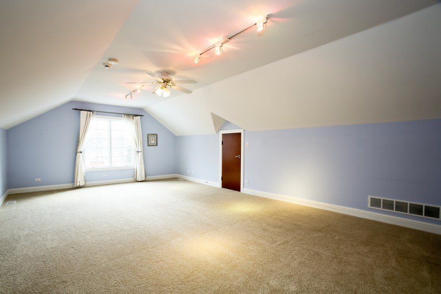 Real Estate Photography - 4712 Seeley AVE, Downers Grove, IL, 60515 - 3rd Floor Bedroom