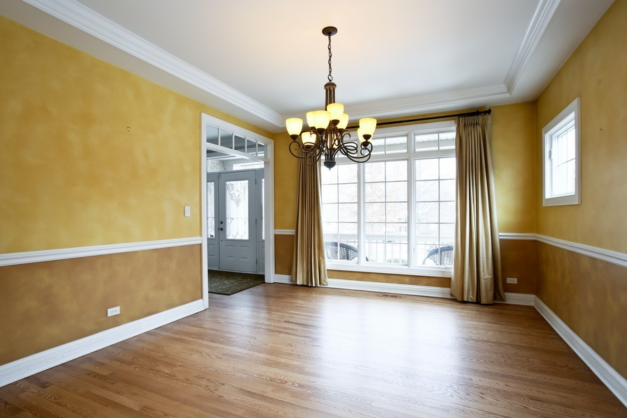 Real Estate Photography - 4712 Seeley AVE, Downers Grove, IL, 60515 - Dining Room